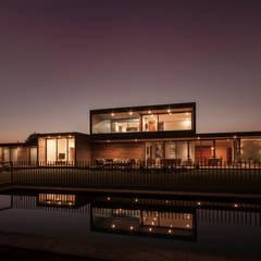 : Casas de estilo  por JPV Arquitecto