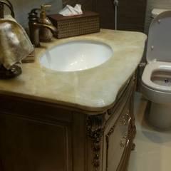 Baños de estilo  por الرواد العرب