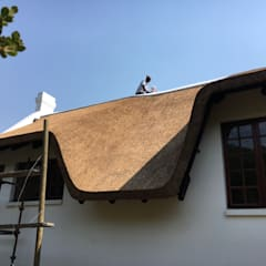 Stunning Curves & Contours: colonial Houses by Cintsa Thatching & Roofing