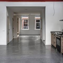 1 grote ruimte:  Woonkamer door architectenbureau Huib Koman (abHK)