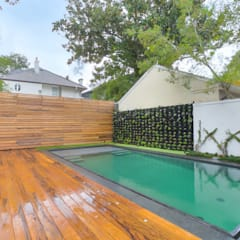 Eclectic style pool by studioWTA Eclectic