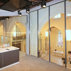Glass meeting room in Church building renovation :  Museums by Ion Glass