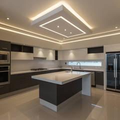 آشپزخانه توسط2M Arquitectura, مدرن