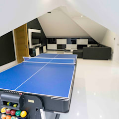 FAIRMILE LANE:  Media room by Concept Eight Architects