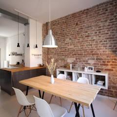 Dining room by PlanBar Architektur
