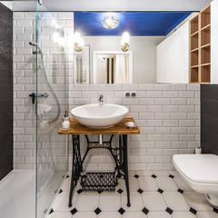 REALIZACJA - OLIMPIA PORT Eklektyczna łazienka od KODO projekty i realizacje wnętrz Eklektyczny