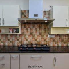 آشپزخانه توسطDesign Arc Interiors, مدرن تخته سه لایی