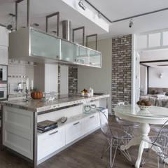 Coconut - романтический лофт Кухня в стиле лофт от Irina Derbeneva Лофт
