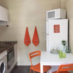 Home Staging en vivienda de montaña: Cocinas de estilo  de Noelia Villalba