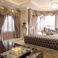 Ebotse Estate:  Living room by Tru Interiors, Classic