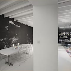 OFICINA estudio  en Castilleja de la Cuesta Sevilla, España.: Edificios de oficinas de estilo  de Interiorismo Conceptual estudio