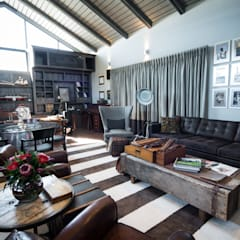 Upmarket home in Johannesburg:  Study/office by Kim H Interior Design, Eclectic