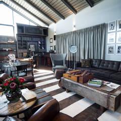 Upmarket home in Johannesburg:  Study/office by Kim H Interior Design