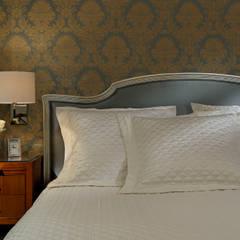 Bedroom Details: classic Bedroom by Douglas Design Studio