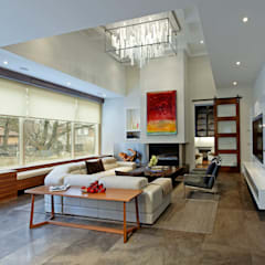 Modern Family:  Living room by Douglas Design Studio,