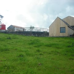 Patio, Agroturismo: Casas  por H2Arquitectos