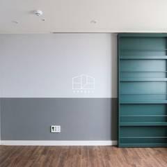 모던한 느낌의 아파트 인테리어_35py: 홍예디자인의  창문,모던