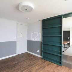 모던한 느낌의 아파트 인테리어_35py: 홍예디자인의  아이방,모던