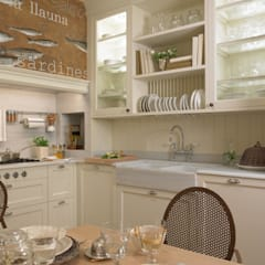 آشپزخانه by DEULONDER arquitectura domestica
