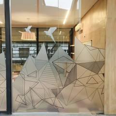 Offices & stores by Estudio CRUDO