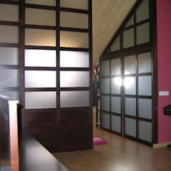Cerramiento en madera y Cristal.: Estudios y despachos de estilo  de la alacena segoviana s.l