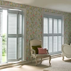 Guide & Glide Window Shutters: classic Living room by Thomas Sanderson