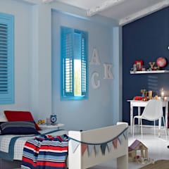 Options Shutter Blinds:  Nursery/kid's room by Thomas Sanderson