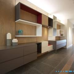 Plettenberg Bay - Beach House:  Study/office by DV8 Architects,