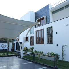 Residence of Mr.agaraj:  Houses by Hasta architects