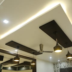 Family lounge ceiling:  Corridor & hallway by Hasta architects