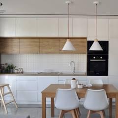 آشپزخانه by Architekt wnętrz Klaudia Pniak