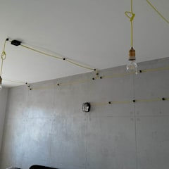 """""""Przemysłowy"""" pokój nastolatka.: styl , w kategorii Ściany zaprojektowany przez Artur Grab Design"""