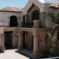 Houses by Canteras Villa Miranda