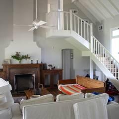 Casa en Santa Catalina - Open Door - Pcia de Buenos Aires: Livings de estilo  por Rocha & Figueroa Bunge arquitectos,Rural