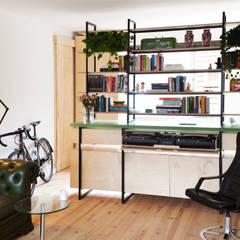 Salas de estar modernas por Kevin Veenhuizen Architects Moderno Madeira Efeito de madeira