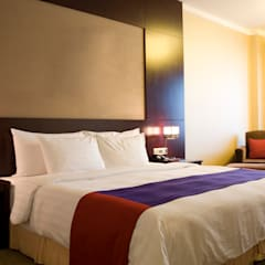 Red/Purple Hotel Room:  Hotels by Gracious Luxury Interiors