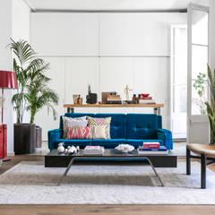 Tropical Chic: Salones de estilo  de Rodolfo Madera Design Studio