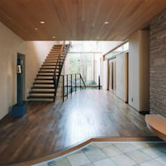 Corridor, hallway by 豊田空間デザイン室 一級建築士事務所
