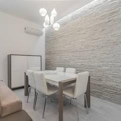 Sala da pranzo: Sala da pranzo in stile  di Facile Ristrutturare