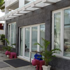 Ventanas de PVC de estilo  por Green Home Solution,