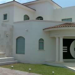 Casas unifamiliares de estilo  por SG Huerta Arquitecto Cancun