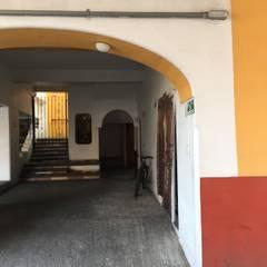 Área de proyecto : Oficinas y tiendas de estilo  por Cahtal Arquitectos