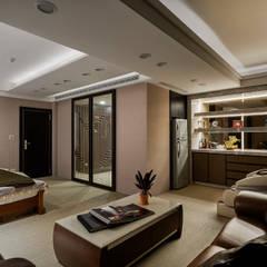 Dressing room by 青瓷設計工程有限公司, Classic