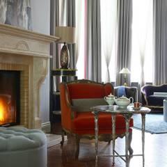 Загородный дом для большой семьи: Гостиная в . Автор – Atelier Interior