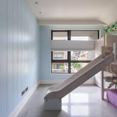 Nursery/kid's room by 直譯空間設計有限公司,