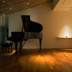 Ruang Multimedia oleh 柳瀬真澄建築設計工房 Masumi Yanase Architect Office, Modern