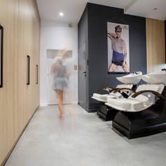 Salon w Poznaniu: styl , w kategorii Spa zaprojektowany przez Dessi