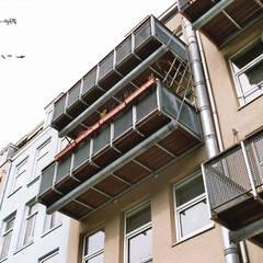 Balkons:  Terras door Architectenburo Holtrop
