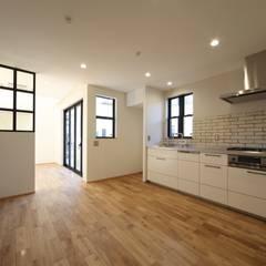真行田の家: 加門建築設計室が手掛けたキッチンです。