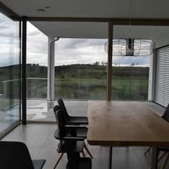 Wohnhaus C:  Fenster von Architekturbüro Arndt